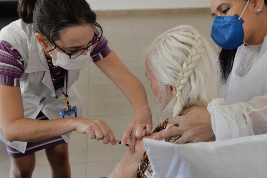 Cordeirópolis aplicará 3ª dose na casa dos idosos acima de 70 anos
