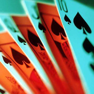 Mantida dispensa por justa causa de empregado que jogava cartas durante o expediente