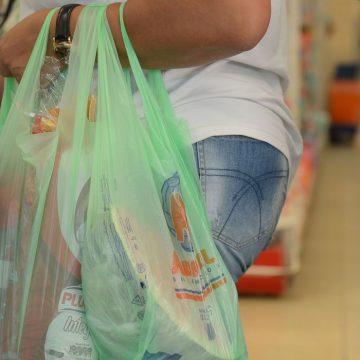 Cartão alimentação de servidores de Iracemápolis tem sido recusado e vereadores cobram providências
