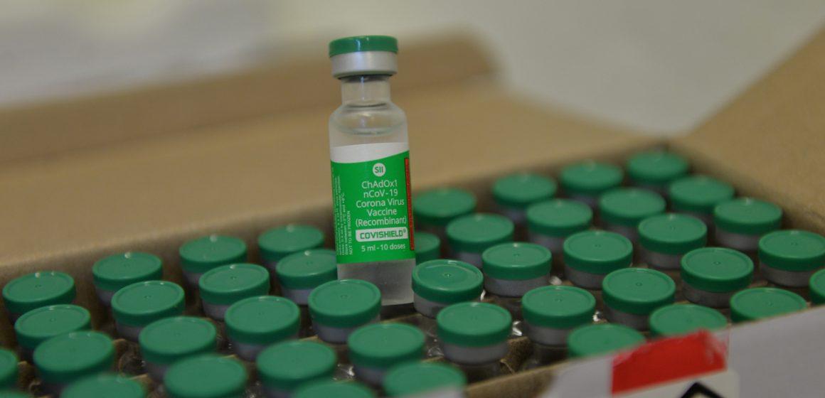 Cronograma de vacinação em maio abrange motoristas e cobradores de ônibus