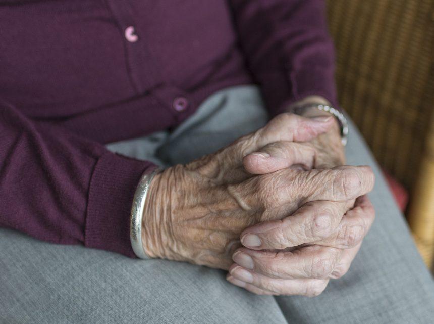 Projeto de lei quer cadastro de voluntários para ajudar idosos de baixa renda em Limeira