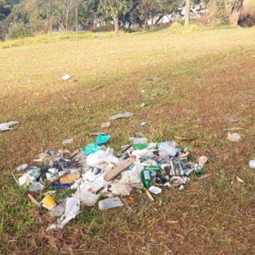 """Point de jovens em Limeira, Pico do Planalto sofre com barulho e sujeira deixada após """"pancadões"""""""