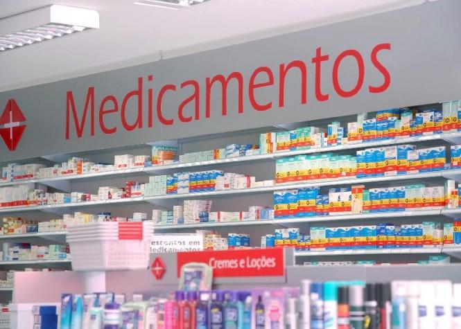 Laboratório deve se abster de vender medicamentos com mesma composição de produto patenteado