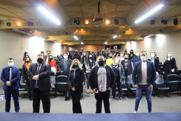 Isca Faculdades promove palestra sobre uso de imagem e crimes cibernéticos para influenciadores digitais