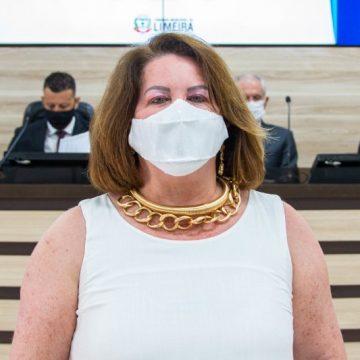 Câmara de Limeira recebe pedido de afastamento de Constância Félix por condenação