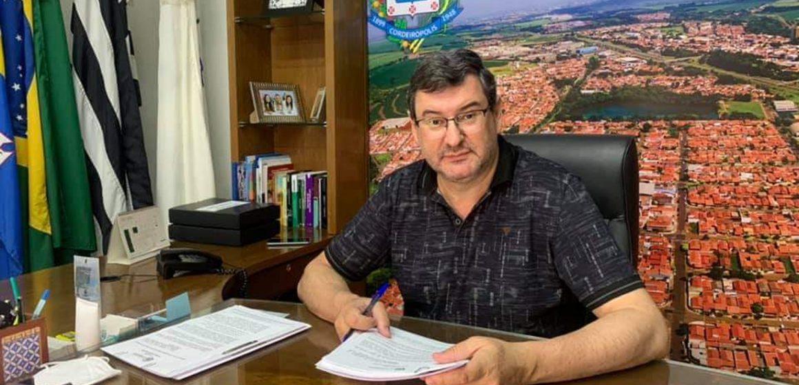 Adinan assina lei que permite o Programa de Incentivo à Regularização Fiscal em Cordeirópolis